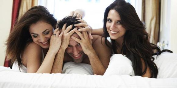 what-makes-women-want-to-have-a-threesome_1